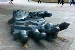 paolozzi giant hand sculpture