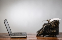 laptop-vs-typewriter makeuseof