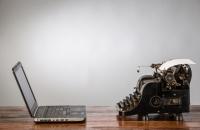 laptop-vs-typewriter makeuseof